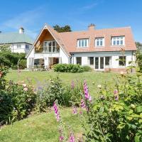 Alnmouth Villa Sleeps 10 WiFi