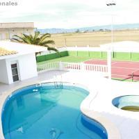 Casa con piscina, pista de tennis y cerca del mar