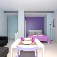 Glamorous House in Chiaia