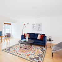 Charming Mayfair Suites by Sonder
