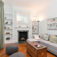 Lovely Holland Park Home by GuestReady