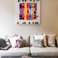 Sleek Arty Apartment