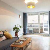 Zone 2 architect designed London Apartment
