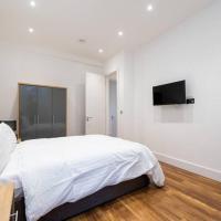 Spacious and Luxurious London Apartment (MHB352)