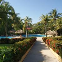 Villas del Sol - 2 Bdrm Condo on La Ropa Beach