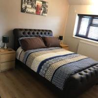 CHARLBURY CLOSE DOUBLE ROOM