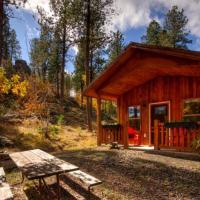 Yak Ridge Cabins and Farmstead by Mount Rushmore