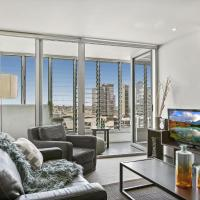 Modern Two Bedroom Apartment in Melbourne CBD
