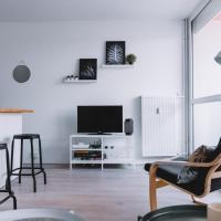 MARCEL LANGER: Newly renovated studio / Saint-Agne