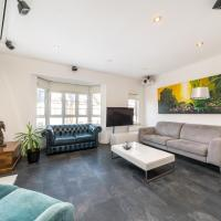 Modern 2BD Riverside Flat in Fulham