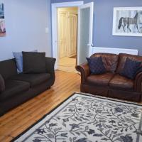 Spacious, traditional 2 bed apartment with study!