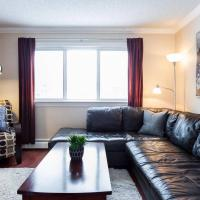 Luxurious Cozy 1 Bedroom/1 Bathroom Whyte Ave Condo - Free Covered Parking!