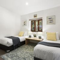 Greens Beach Solarhome-hosted by:L'Abode Accommodation