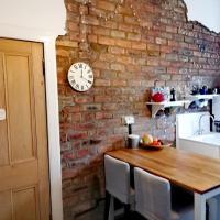 Beautiful and spacious flat in Morningside