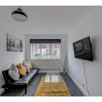 Amazing modern house for up to 5 in Salford Quays