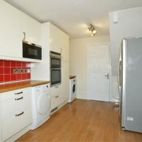 Spacious 3 bedroom Holiday home with river views