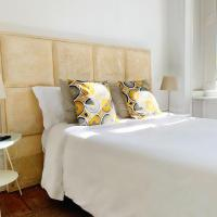NS Hostel & Suites