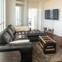 Modern 2 bedroom Condo with CN Tower Views