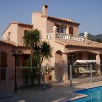 Villa near Ceret with private pool, sleeps 7