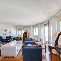 Elegant apartment with panoramic view in the heart of Lisbon