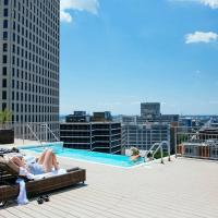 Ritzy Studio, Rooftop Pool, Gym, & Luggage Drop.