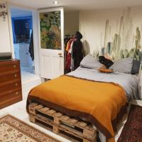 Quirky One Bed Angel Apt with Garden