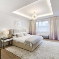 Spacious 4 bedroom, 4 bathroom apartment