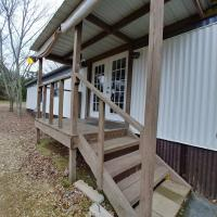 Newly remodeled! sleeps 6! Pets OK! Very Quiet!