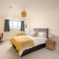 Beautiful 2BD Apartment By The Docks, Gloucester!