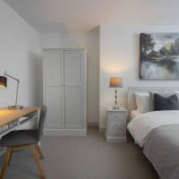 Quiet & Secluded Garden Apartment in Heart of Clifton