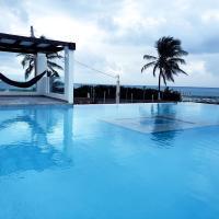 Front Beach Luxury House w/ Infinity Pool