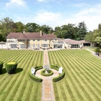 ENTIRE VILLA 12,500 sqft house in 90 acres-18 mins from London