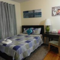 COZY MASTER BEDROOM CLOSE TO LGA AND JFK