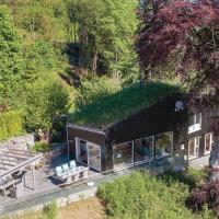 Five-Bedroom Holiday Home in Sjernaroy