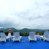 E-outfitting Pai Resort