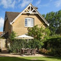 Shipton under Wychwood Villa Sleeps 5 Pool WiFi