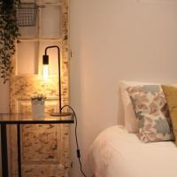 Lisbon Cozy One Bedroom Apartment + Patio Garden