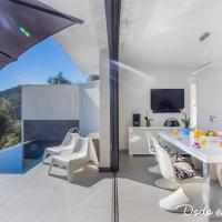 Modern 4 bedrooms house with pool