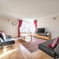 Holyrood Park Home for 6 Guests by Guestready