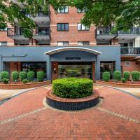 Central Brunswick Apartment Hotel