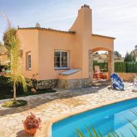 Three-Bedroom Holiday home 0 in Sant Pere Pescador