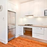 Modern apartment in Manly
