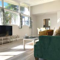 Cozy Modern Hideaway in Beverly Hills