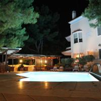 Luxury and Modern Resort In Neos Voutzas