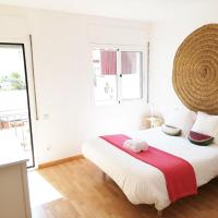 Cozy apartment in charming sea town 20 km from BCN