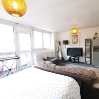 zone 1 lovely studio flat ***just 1 min to the station