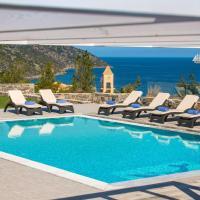 Amazing Five-Bedroom Villa with Heated Pool