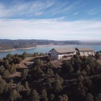 Mountain Lakeside Retreat Retreat