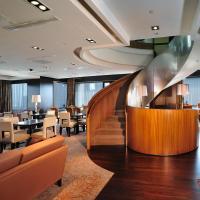 Peninsula Excelsior Hotel