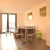 Bright 3 Bedroom Willesden Green Apartment With Balcony